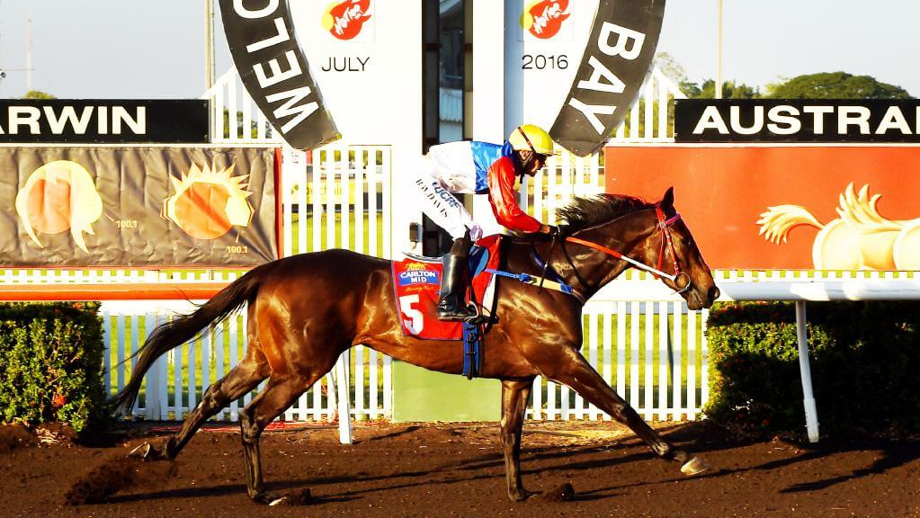 Brendon Davis guides Finke to victory in the Hot 100 Darwin Guineas (1600m). PICTURE: Elise Derwin